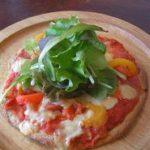 トマトのバジルピザ